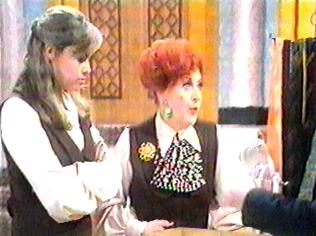 The Are You Being Served Gallery on YCDTOTV.de   Path: www.YCDTOTV.de/aybs_img/d1_263.jpg
